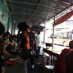 Photo taken at Roti Canai Transfer Rd. by Salamun A. on 9/3/2011