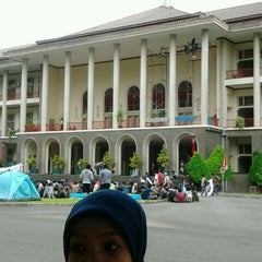 Photo taken at Gedung Pusat UGM by Suka T. on 12/9/2011