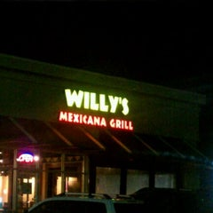 Photo taken at Willy's Mexicana Grill by Dan W. B. on 11/17/2011