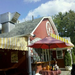Photo taken at Wagon Wheel Country Drive-In by Xmas on 10/5/2011