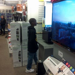 Photo taken at Sears by Rj H. on 12/12/2011