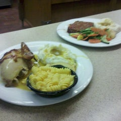 Photo taken at Boston Market by Chris G. on 8/24/2011