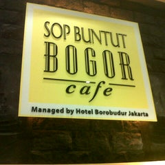 Photo taken at Sop Buntut Bogor Cafe by Elizabeth S. on 8/15/2012