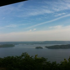 Photo taken at The Lodge At Lake Guntersville State Park by Todd B. on 6/9/2012