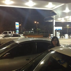 Photo taken at Chevron by Oliver O. on 3/14/2012