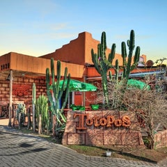 Photo taken at Totopos Gastronomia Mexicana by Ricardo C. on 4/30/2012