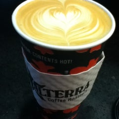 Photo taken at Colectivo Coffee by Lois L. on 4/24/2012
