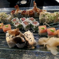 Photo taken at Manga Sushi مانجا سوشي by Tugba O. on 7/28/2012