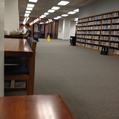 Photo taken at University Library by 🌺Isabel G. on 10/20/2011