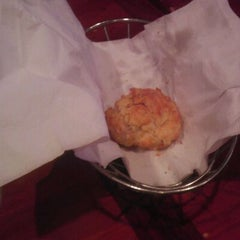Photo taken at Red Lobster by Wheat L. on 12/11/2011