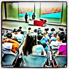 Photo taken at Singapore Institute of Management (SIM) by Dönałd ʕ •ᴥ•ʔ on 7/15/2011