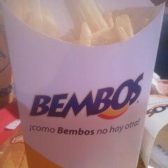 Photo taken at Bembos by Pedro Adolfo Q. on 7/26/2012