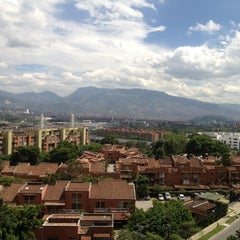 Photo taken at Four Points by Sheraton Medellin by Steven L. on 6/23/2012