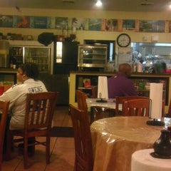 Photo taken at Elaine's Kitchen by Vincent C. on 11/13/2011
