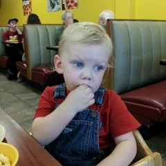 Photo taken at CiCi's Pizza by Rosie B. on 8/9/2012