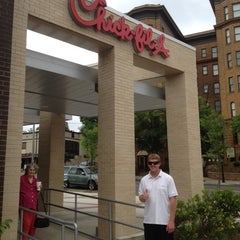 Photo taken at Chick-fil-A by Justin D. on 4/27/2012