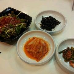 Photo taken at 참치명가 by Eunsung L. on 4/9/2012