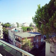 Foto scattata a Hotel Luxor Rimini da TishyTravels il 8/7/2012