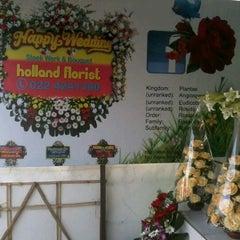 Photo taken at Pasar Bunga Wastukencana by Rachmat B. on 7/17/2012