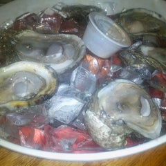Photo taken at Floyds Cajun Seafood And Texas Steakhouse by Vickie L. on 11/15/2011