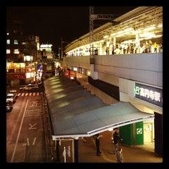 Photo taken at 高円寺駅 (Kōenji Sta.) by Arano K. on 4/28/2012