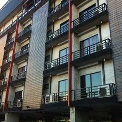 Photo taken at Pak Ping Ing Tang Boutique Hotel (พักพิงอิงทาง บูติค โฮเทล) by Teerawat R. on 1/8/2012