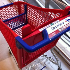 Photo taken at Carrefour Majadahonda by Patricia G. on 7/30/2011