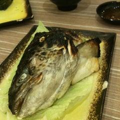 Photo taken at Octopus Sushi Bar & Thai by Wasabi on 3/17/2011