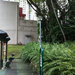 Photo taken at Duxton Plain Park by Rychy on 3/13/2012