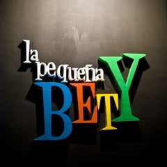 Photo taken at La Pequeña Bety by Alexandre R. on 3/17/2012