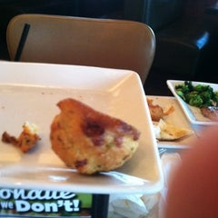 Photo taken at Ruby Tuesday by Bryant T. on 8/3/2011