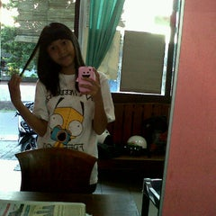 Photo taken at SMPN 4 Denpasar by Elin_andiani M. on 4/19/2011
