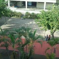 Photo taken at Universidad Bicentenaria de Aragua UBA by Iván de Jesus Y. on 4/17/2012