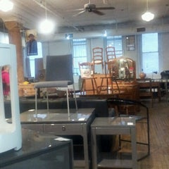 Photo taken at Housing Works Thrift Shop by Nycjunkgurl on 7/27/2012