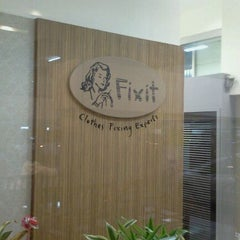 Photo taken at Fixit Laundry The Mall Bangkapi by IClear C. on 3/10/2012
