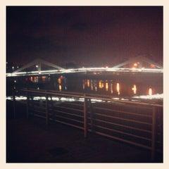 Photo taken at Tradeston-Broomielaw Bridge (Squiggly) by Nadiia on 8/31/2012
