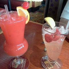 Photo taken at Red Robin Gourmet Burgers by Elizabeth R. on 3/19/2012