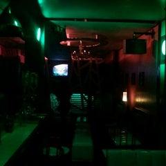 Photo taken at Lemonlime Bar by Mharloo on 11/20/2011