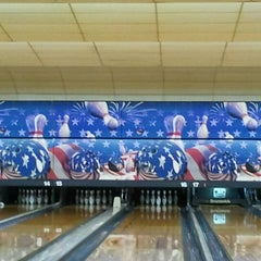 Photo taken at Bar-Don Lanes by Daniel V. on 12/31/2011