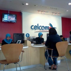 Photo taken at Celcom Blue Cube Centre by Dexie L. on 11/8/2011