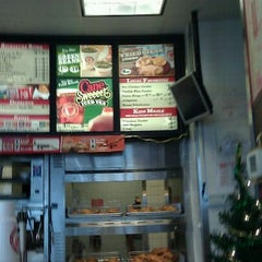 Photo taken at Popeye's Chicken & Biscuits by Randy D. on 12/28/2011
