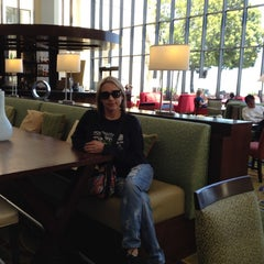 Photo taken at San Francisco Airport Marriott Waterfront by Evy Lyn V. on 5/5/2012