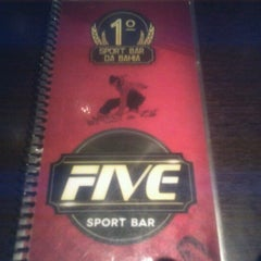 Photo taken at Five Sport Bar by André Cláudio A. on 9/13/2012