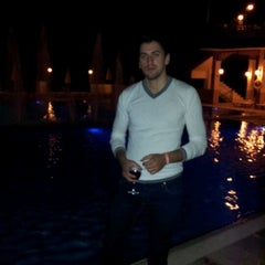 Photo taken at Dreams by Bucur A. on 8/21/2011