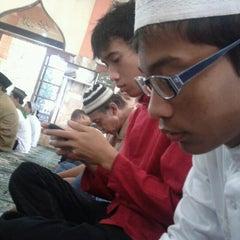 Photo taken at Mesjid Perjuangan 45 by Angga Rahmatul H. on 11/6/2011