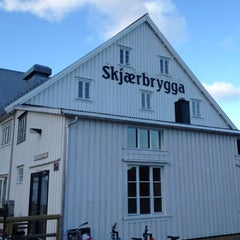 Photo taken at Skjærbrygga Restaurant og rorbuer by TP A. on 6/27/2012