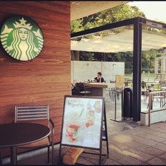 Photo taken at Starbucks Coffee 福岡大濠公園店 by Hirotoshi U. on 8/18/2012