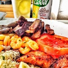 Photo taken at Restaurante Pé de Pequi by Fabiano A. on 4/14/2012