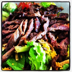 Photo taken at Vallarta Salads by Israel A. on 7/10/2012
