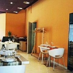 Photo taken at Restaurant Trefi by Javier R. on 5/27/2012